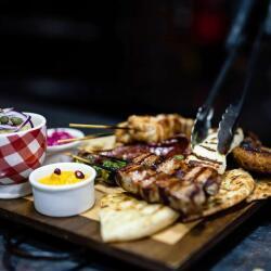 Valtou Rigani Meat Platter
